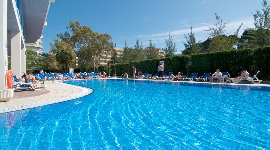pool piramide hotel salou