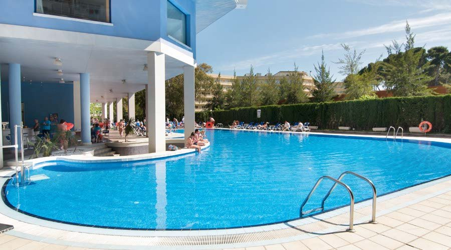Piramide pool hotel salou